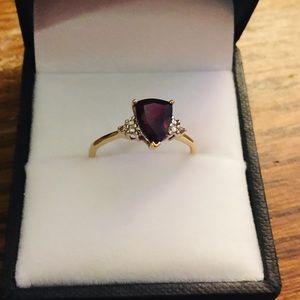Jewelry - 10k gold with stone